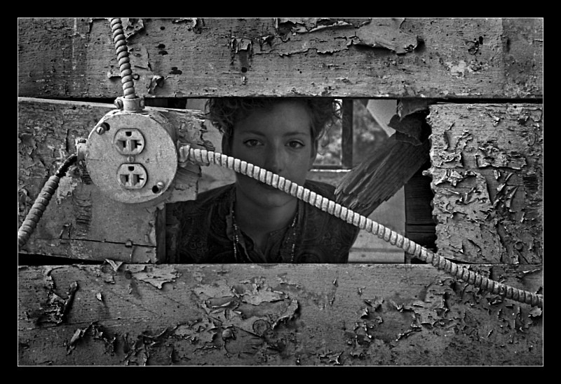 Hole in the Wall - People