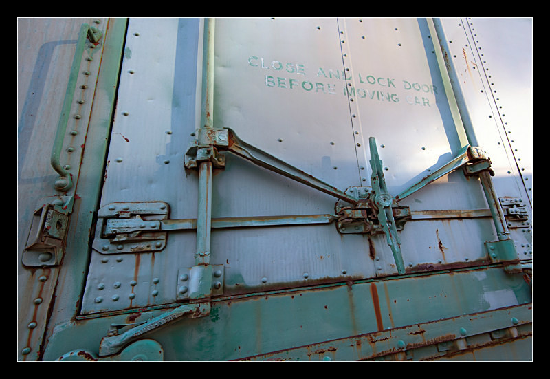 Plug Door - Railroad