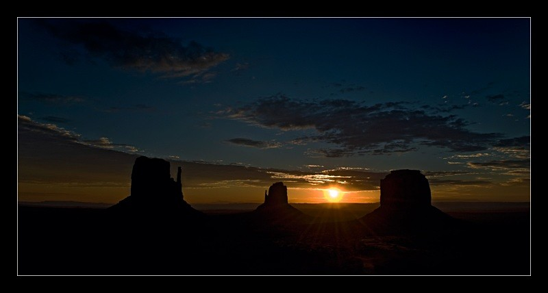 Monument Valley Sunrise - Landscapes