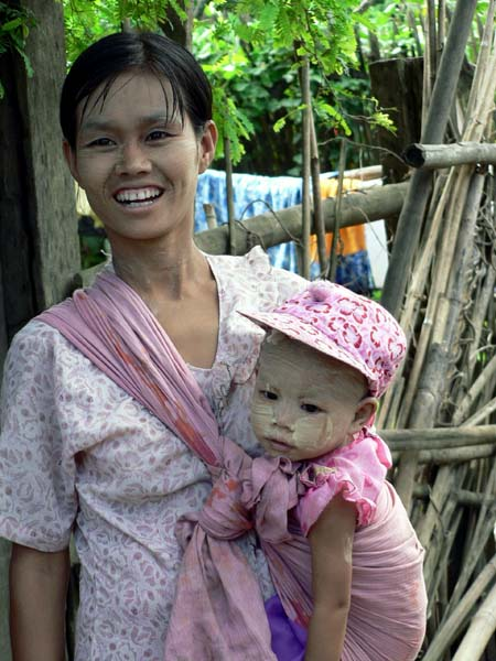 Mother and child, Irrawaddy River - Burma