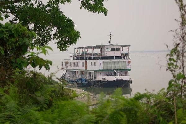 River cruiser - India (Assam, Brahmaputra cruise, Agra and Jaipur)