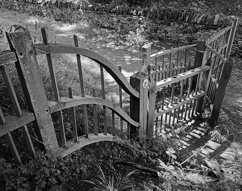 2148 - Kissing Gate - The Cotswold Way
